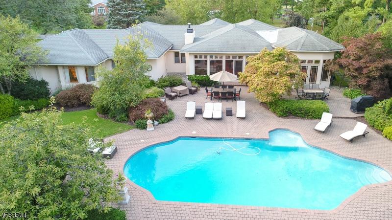 Maison unifamiliale pour l à louer à 3 LOCKHERN Drive Livingston, New Jersey 07039 États-Unis