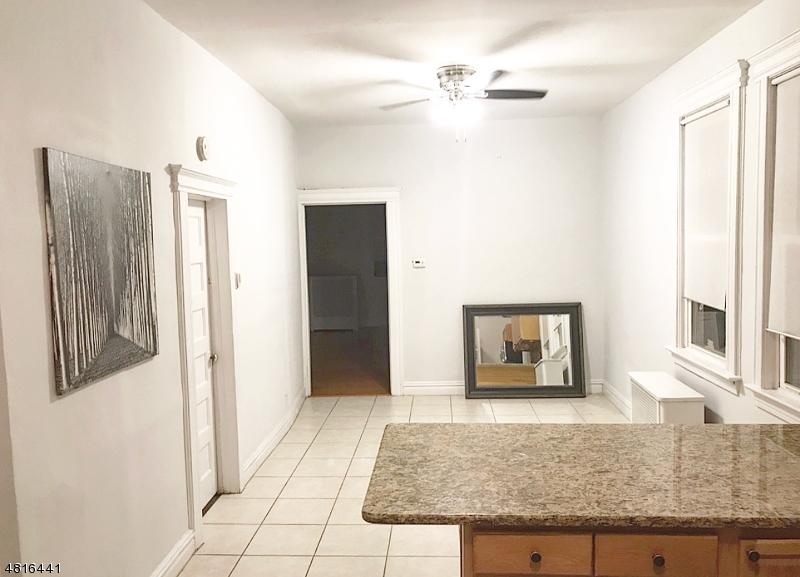 独户住宅 为 出租 在 67 DUNNELL Road Maplewood, 新泽西州 07040 美国