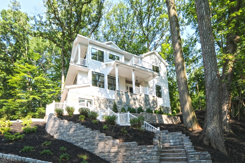 Single Family Home for Sale at 119 STONEBRIDGE Road Montclair, New Jersey 07042 United States