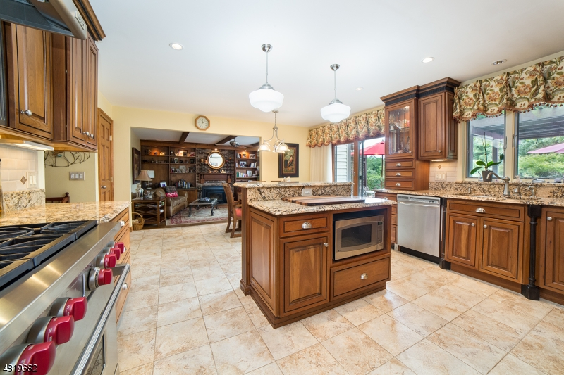 Single Family Home for Sale at 376 RIDGE RD 376 RIDGE RD Fredon Township, New Jersey 07860 United States