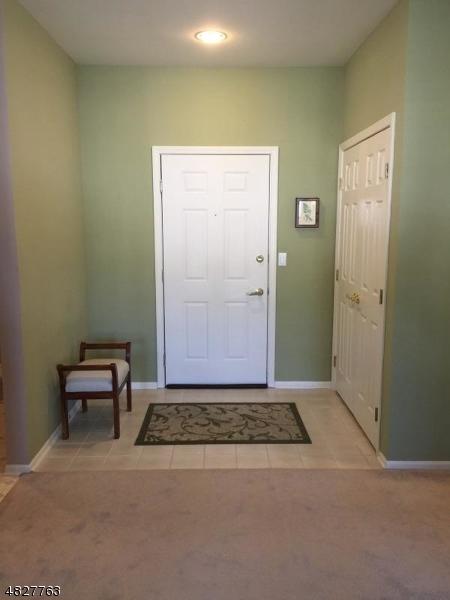 公寓 / 联排别墅 为 销售 在 6402 RICHMOND Road 西米尔福德, 新泽西州 07480 美国