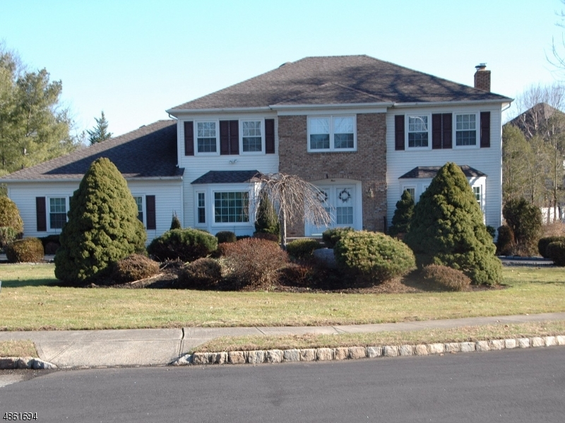 Single Family Home for Sale at 4 CONCORD Road Hanover, New Jersey 07981 United States