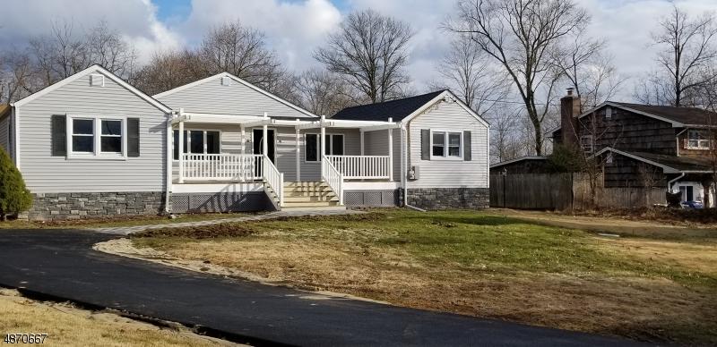 Частный односемейный дом для того Продажа на 1349 MAIN Street Millstone, Нью-Джерси 08844 Соединенные Штаты