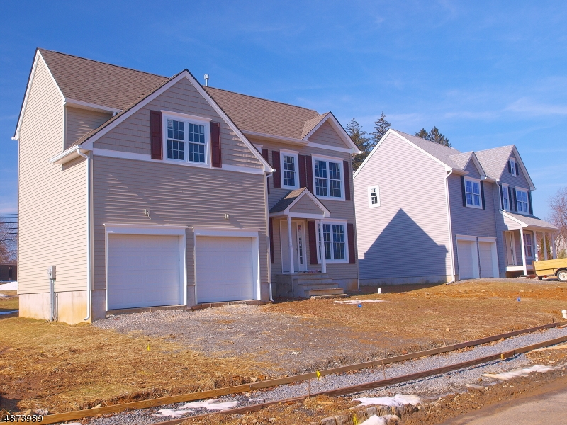Single Family Home for Sale at 505 PARKWOOD COURT Phillipsburg, New Jersey 08865 United States