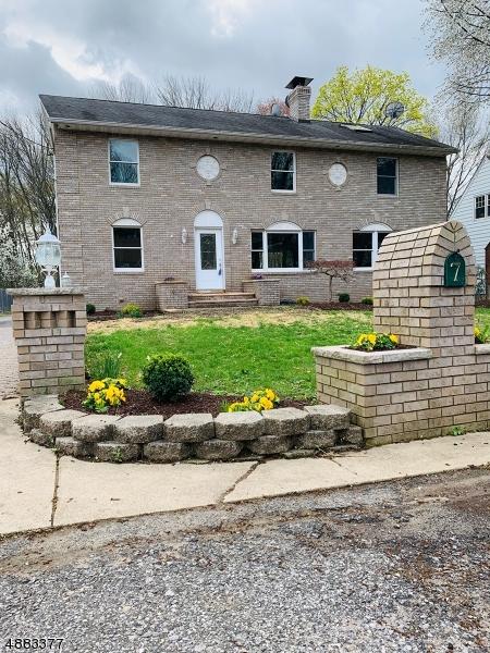 Maison unifamiliale pour l Vente à 7 KITCHELL Place Hanover, New Jersey 07981 États-Unis