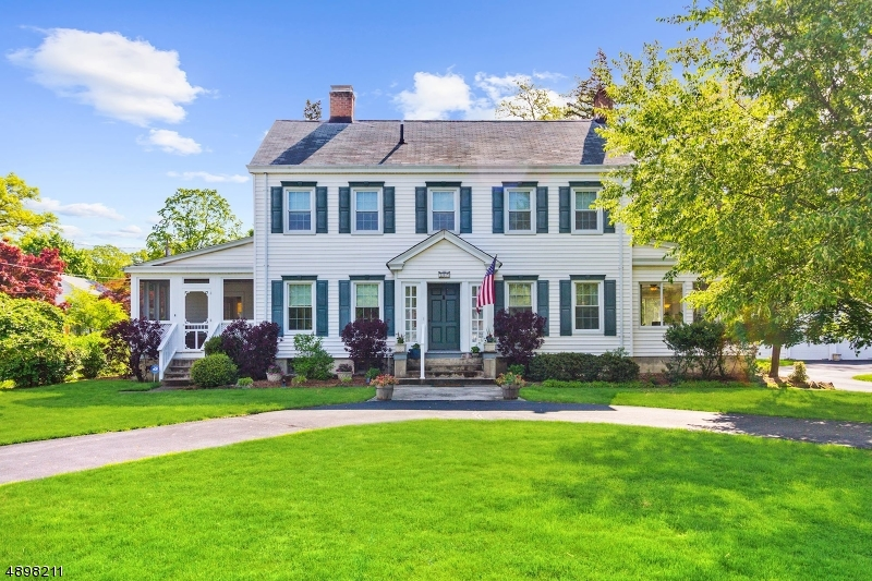 Single Family Home for Sale at Pompton Lakes, New Jersey 07442 United States