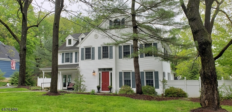 Single Family Homes for Rent at Mendham, New Jersey 07945 United States