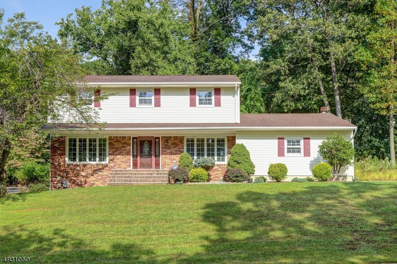 Single Family Homes para Venda às Parsippany, Nova Jersey 07950 Estados Unidos