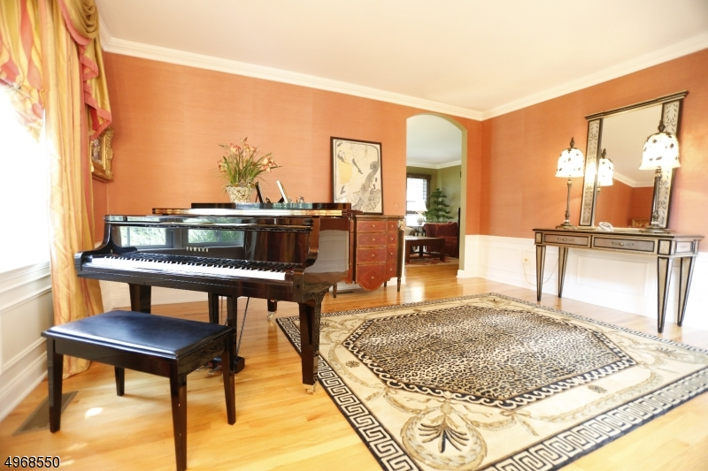 Additional photo for property listing at  North Haledon, 新泽西州 07508 美国