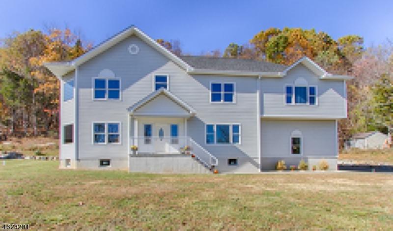 独户住宅 为 销售 在 82 Edsall Drive Sussex, 新泽西州 07461 美国