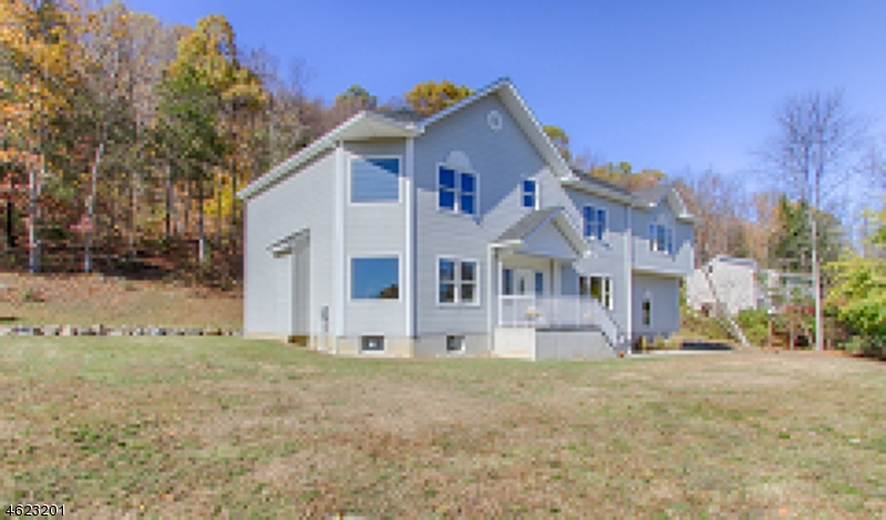 Additional photo for property listing at 82 Edsall Drive  Sussex, 新泽西州 07461 美国