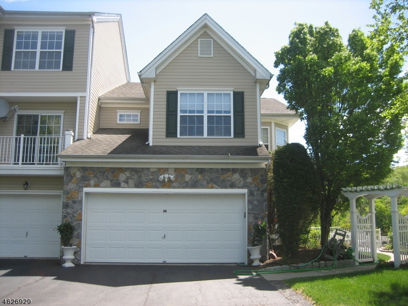 Additional photo for property listing at 23 Ridge Court  Pompton Lakes, New Jersey 07442 États-Unis