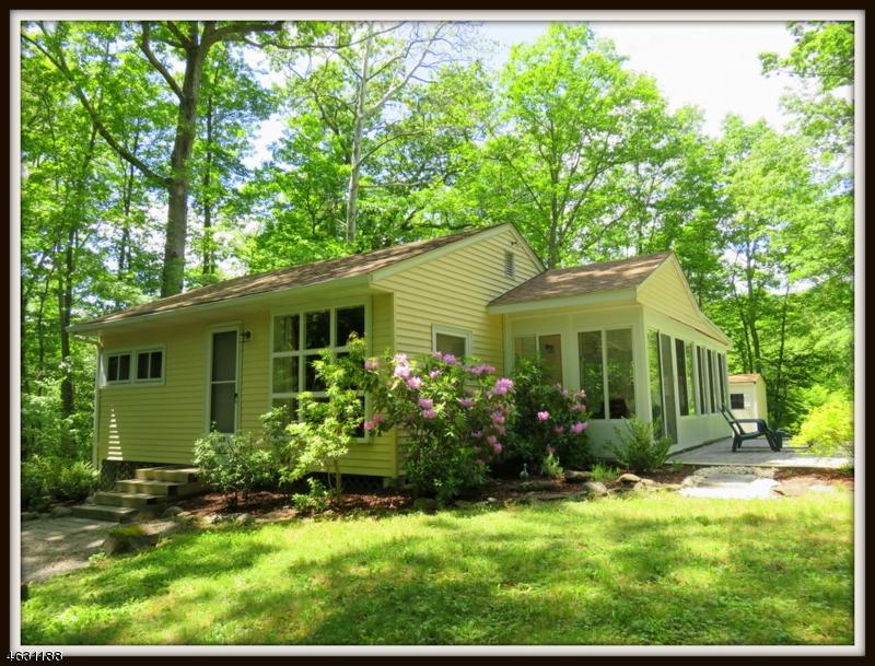 独户住宅 为 销售 在 918 MORNINGSIDE DRIVE 牛顿, 新泽西州 07860 美国