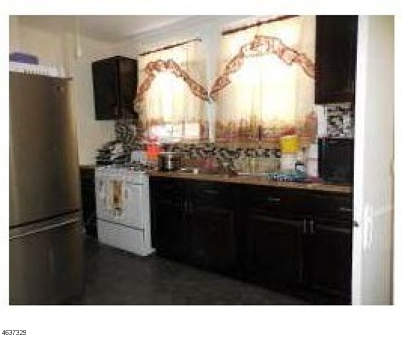 Additional photo for property listing at 327 Summit Avenue  Jersey City, Нью-Джерси 07306 Соединенные Штаты