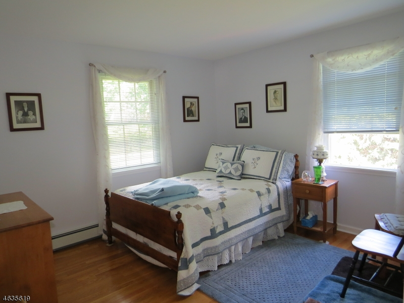 Additional photo for property listing at 7 Francis Lane  Chester, Nueva Jersey 07930 Estados Unidos