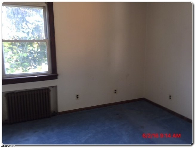 Additional photo for property listing at 45 Bergen Avenue  Haskell, Нью-Джерси 07420 Соединенные Штаты