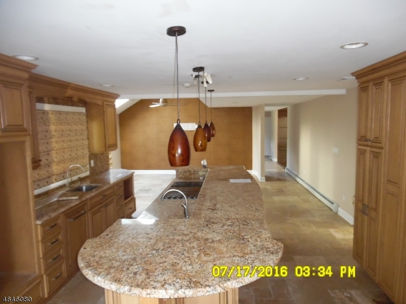 Additional photo for property listing at 3 Meadowbrook Road  Boonton, New Jersey 07005 États-Unis
