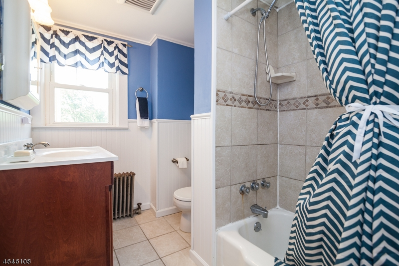 Additional photo for property listing at 28 Church Street  High Bridge, New Jersey 08829 États-Unis