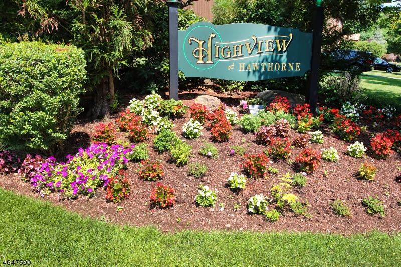 Частный односемейный дом для того Продажа на 34 Alana Drive Hawthorne, 07506 Соединенные Штаты