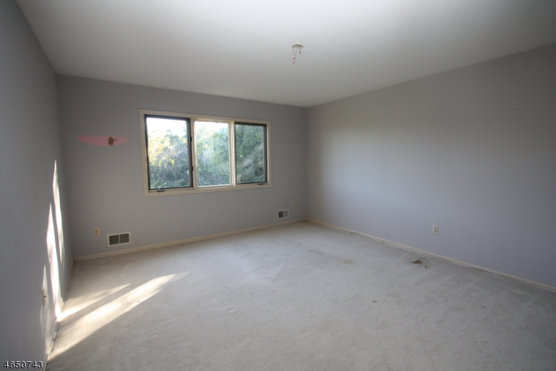 Additional photo for property listing at 6 Knollwood Ter  Randolph, New Jersey 07869 États-Unis