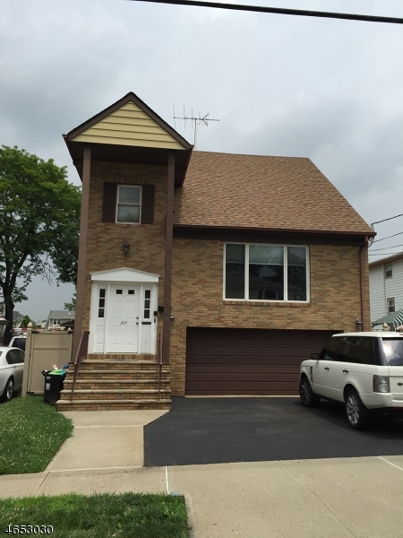 Additional photo for property listing at 377 Thomas Avenue  Lyndhurst, New Jersey 07071 États-Unis