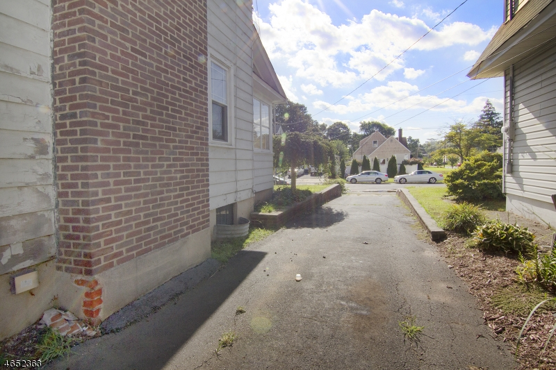 Additional photo for property listing at 1081-83 FIELD Avenue  平原镇, 新泽西州 07060 美国