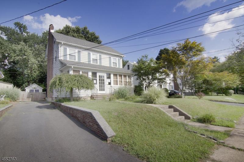 Maison unifamiliale pour l Vente à 1081-83 FIELD Avenue Plainfield, New Jersey 07060 États-Unis