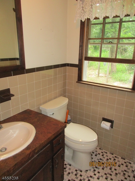 Additional photo for property listing at 41 Roosevelt Road  Whitehouse Station, Nueva Jersey 08889 Estados Unidos