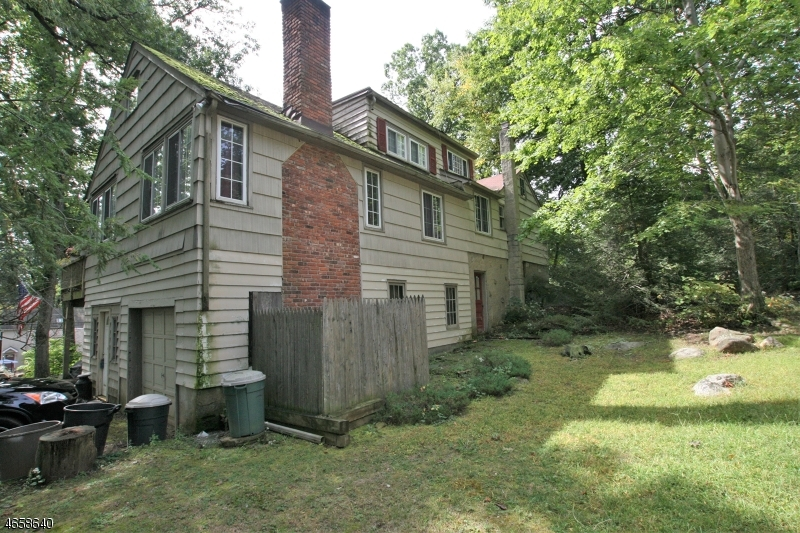 Additional photo for property listing at 42 Cabot Lane  Butler, New Jersey 07405 États-Unis