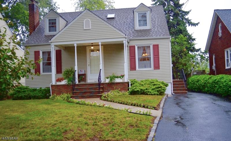 Casa Unifamiliar por un Venta en 621 Woodland Avenue Roselle Park, Nueva Jersey 07204 Estados Unidos