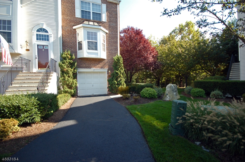 Additional photo for property listing at 203 CHESHIRE Court  Nutley, New Jersey 07110 United States