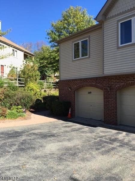 Частный односемейный дом для того Аренда на 109 Sunrise Drive Whippany, Нью-Джерси 07981 Соединенные Штаты