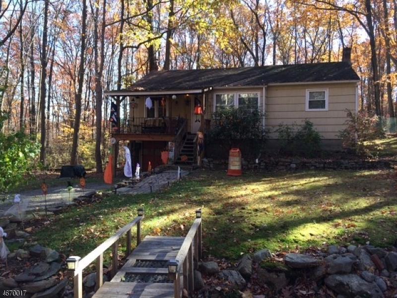 独户住宅 为 销售 在 25 Roger Avenue Haskell, 07420 美国