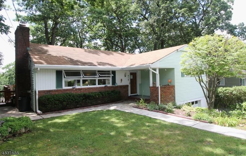 Частный односемейный дом для того Продажа на 516 DINAH Road Landing, 07850 Соединенные Штаты