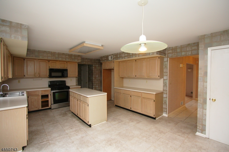 Additional photo for property listing at 6 Knollwood Ter  Randolph, Нью-Джерси 07869 Соединенные Штаты