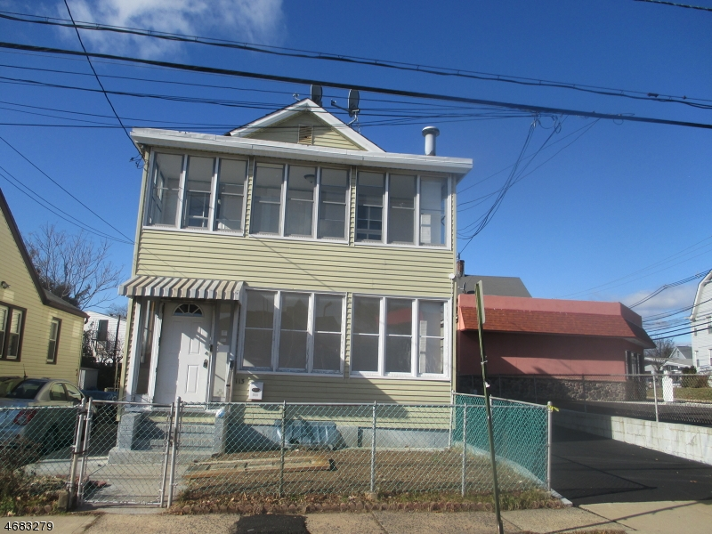 独户住宅 为 出租 在 113 Dow Street Belleville, 新泽西州 07109 美国