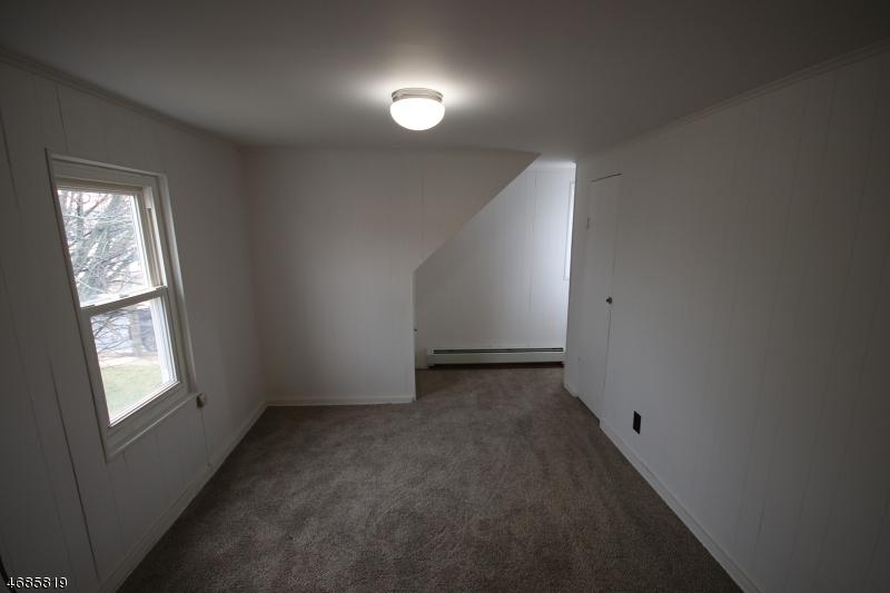 Maison unifamiliale pour l à louer à 151 S 17th Avenue Manville, New Jersey 08835 États-Unis