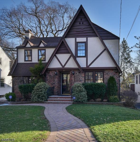 独户住宅 为 销售 在 50 GREENWOOD Drive 米尔本, 新泽西州 07041 美国