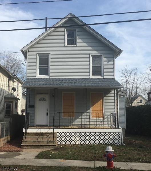 Maison unifamiliale pour l à louer à 402 E 4TH Street Plainfield, New Jersey 07060 États-Unis