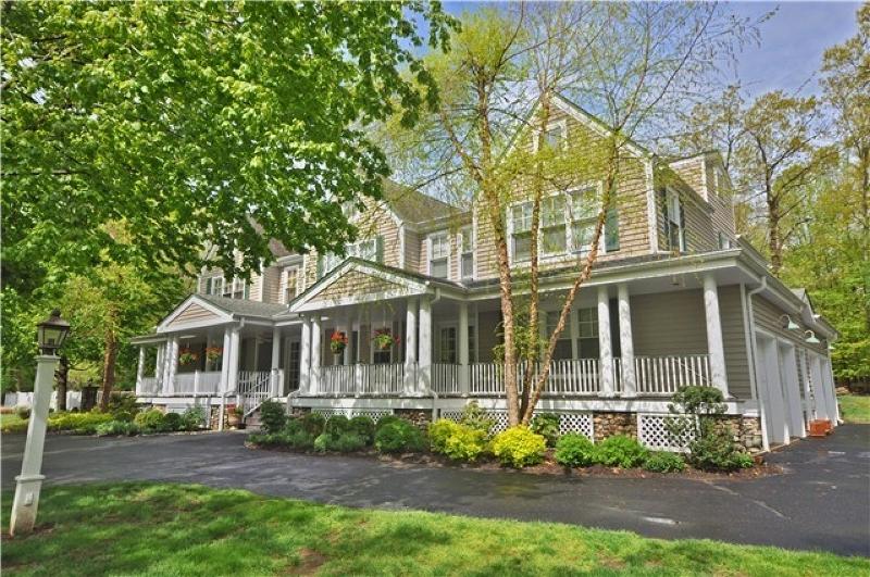 Nhà ở một gia đình vì Bán tại 18 Deer Trail Boonton, New Jersey 07005 Hoa Kỳ