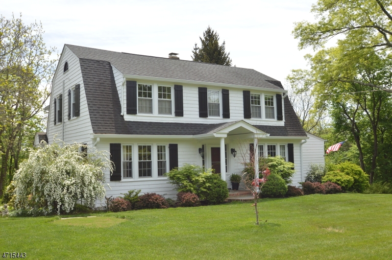 Single Family Home for Sale at 1631 Long Hill Road Millington, New Jersey 07946 United States