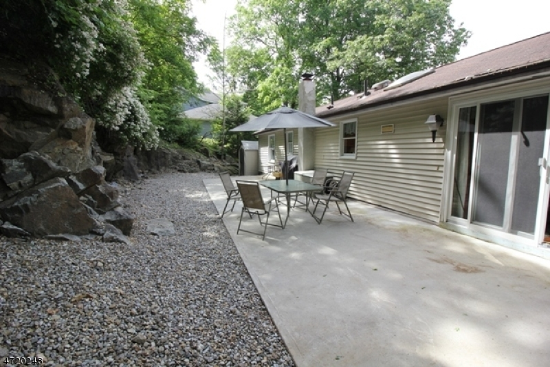 Additional photo for property listing at 87 Cedar Road  Ringwood, New Jersey 07456 États-Unis