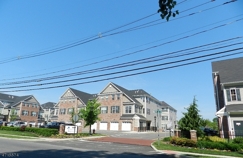 Single Family Home for Rent at 21 Station Sq , Union, New Jersey 07083 United States