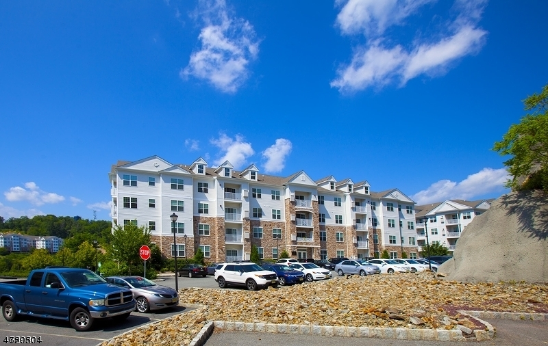 Maison unifamiliale pour l à louer à 2104 Ramapo Court Riverdale, New Jersey 07457 États-Unis