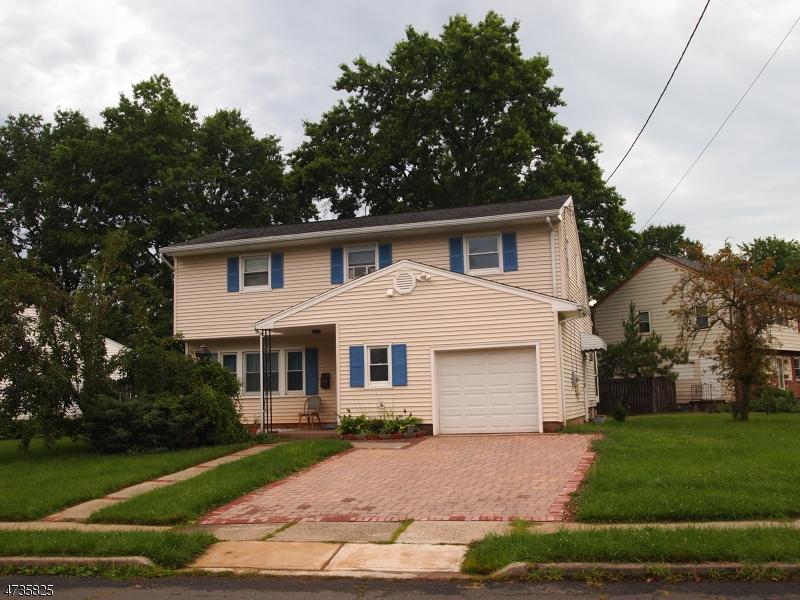 Maison unifamiliale pour l Vente à 1 Michael Lane Somerville, New Jersey 08876 États-Unis