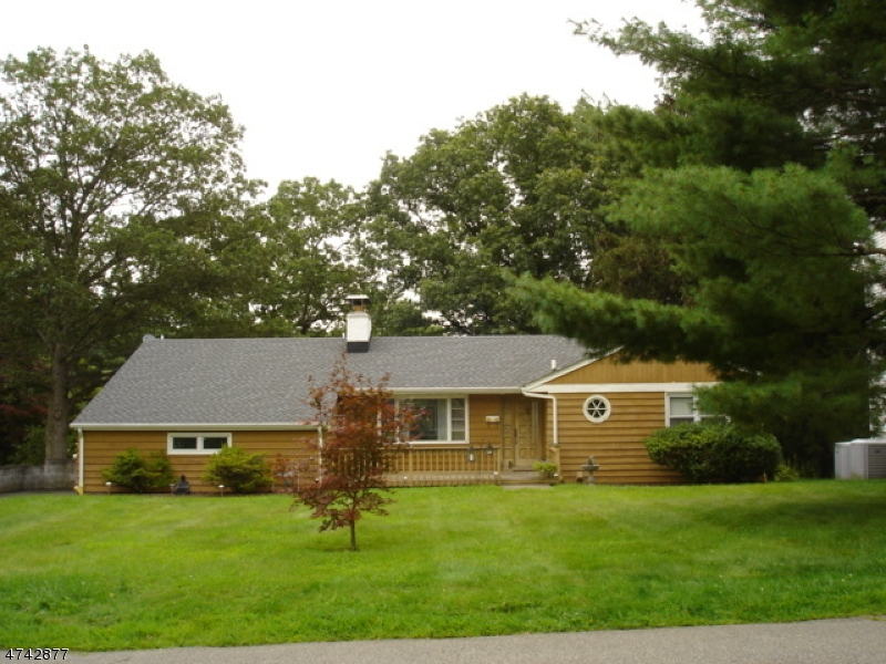Частный односемейный дом для того Аренда на 145 Lake Avenue Boonton, Нью-Джерси 07005 Соединенные Штаты