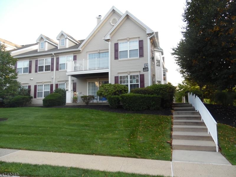 Nhà ở một gia đình vì Bán tại 1200 MAGNOLIA Lane Branchburg, New Jersey 08876 Hoa Kỳ