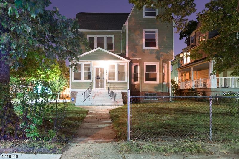 Casa Unifamiliar por un Alquiler en 116 Carnegie Avenue East Orange, Nueva Jersey 07018 Estados Unidos