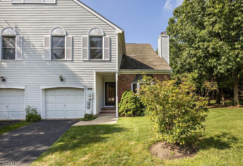Nhà ở một gia đình vì Bán tại 758 Vanessa Lane Branchburg, New Jersey 08853 Hoa Kỳ