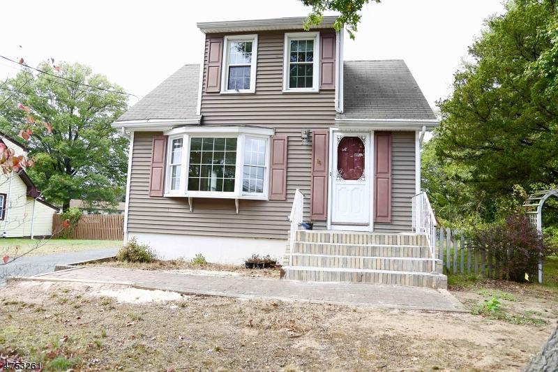 Casa Unifamiliar por un Alquiler en 16 Mulford Avenue East Hanover, Nueva Jersey 07936 Estados Unidos